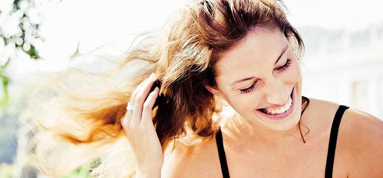 Le buone abitudini contro la caduta dei capelli - ESI S.p.A. - ESI S.p.A. 488343379b08